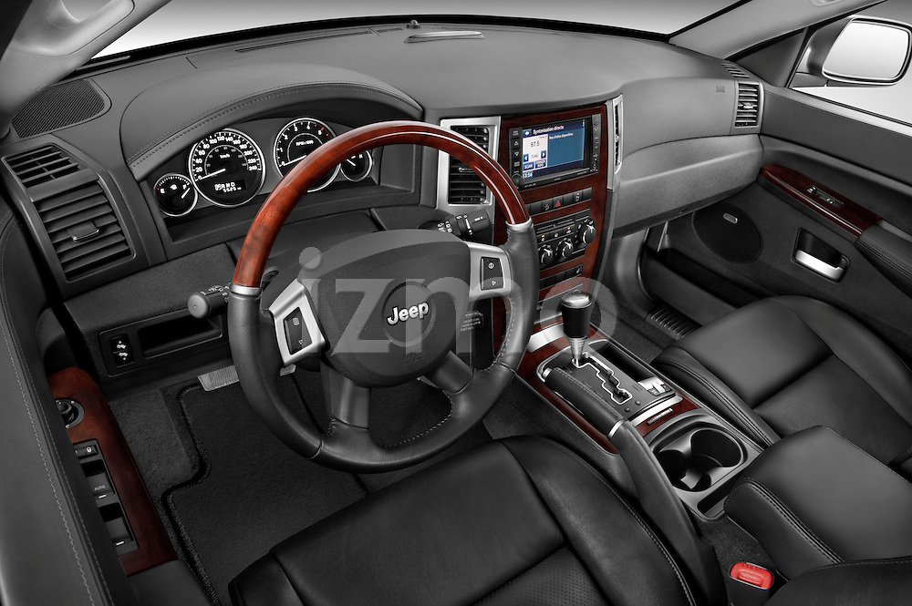 High angle dashboard view of a 2009 Jeep Grand Cherokee 5 Door