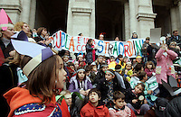Scolari ed insegnanti del VII Circolo Montessori protestano contro i tagli indossando orecchie d'asino di carta davanti al Ministero dell'ìstruzione a Roma, 29 novembre 2010..Pupils and teachers wearing paper-made donkey ears protest against cuts to school in front of the Education Ministry headquarters in Rome, 29 november 2010..UPDATE IMAGES PRESS/Riccardo De Luca