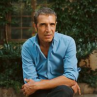 """Julien Clerc à l'ocasion de la sortie de son disque """"Où s'en vont les avions ?"""" - 28 Juillet 2008 - Paris<br /> Credit : GARAULT/DALLE"""