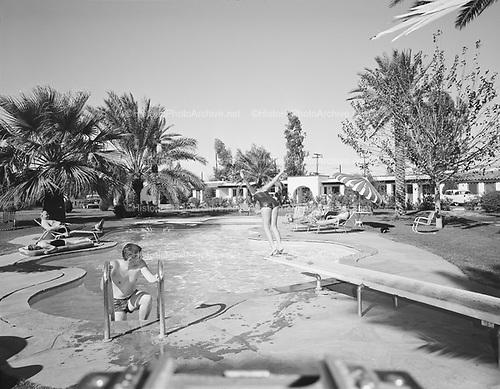 "0301-525B ""Desert Star motel. Pool"" (4120 East Van Buren, Phoenix, Arizona)"