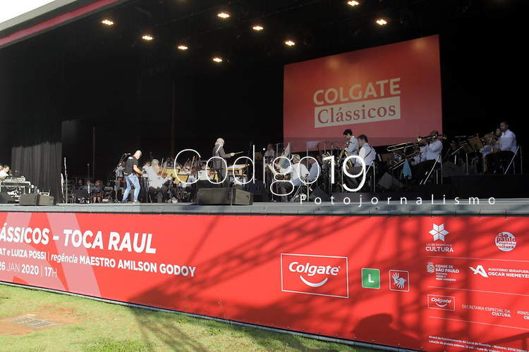 Sao Paulo (SP), 26/01/2019 -   Colgate Classicos apresenta o Show Toca Raul com a Orquestra Arte Viva sob a regencia do Maestro Amilsson Godoy e os Convidados Luiza Possi e Frejat dentro das comemoracoes dos 466 anos da cidade de Sao Paulo na Plateia Externa do Auditorio do Parque Ibirapuera - neste domingo(26). (Foto: Jorge Bevilacqua/Codigo 19/Codigo 19)