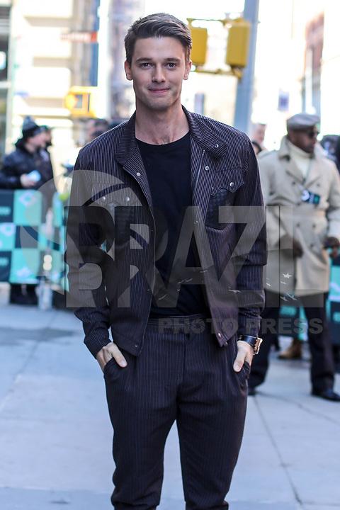 NOVA YORK, EUA, 22.03.2018 - PATRICK-SCHWARZENEGGER -<br /> A ator norte-americano Patrick Schwarzenegger é visto no bairro do Soho em Manhattan na cidade de Nova York nesta quinta-feira, 22. (Foto: Vanessa Carvalho/Brazil Photo Press)