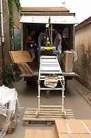 Domaine Le Conte des Floris, Caux. Pezenas region. Languedoc. Mobile bottling line. France. Europe.
