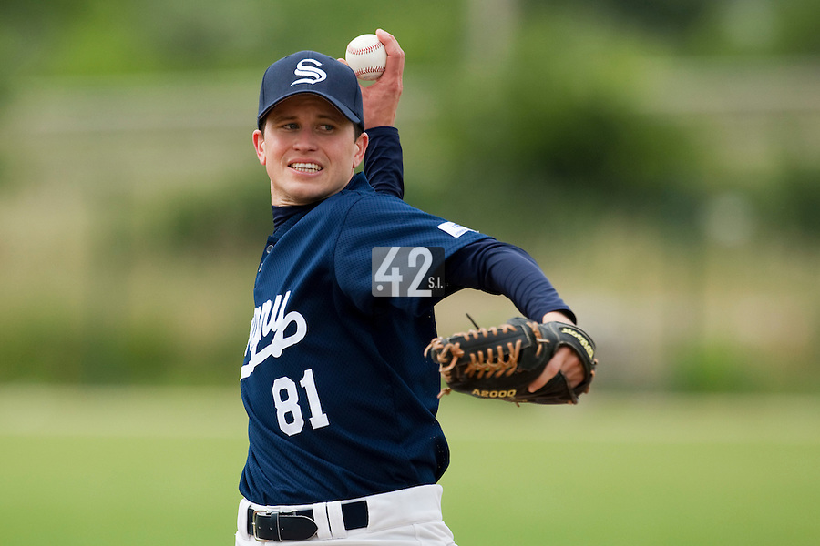 21 May 2009: Remi Lejeune of Savigny pitches against Clermont-Ferrand during the 2009 challenge de France, a tournament with the best French baseball teams - all eight elite league clubs - to determine a spot in the European Cup next year, at Montpellier, France.