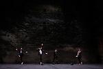 FAUX MOUVEMENT....Conception et chorégraphie Fabrice Lambert..Interprétation Madeleine Fournier, Hanna Hedman, Fabrice Lambert, Stephen Thompson..Conception lumière Sylvie Mélis..Vidéo Yann-Loïc Lambert..Son Frédéric Laügt, Alexandre Meyer, Gilles Gerey..Régie générale Philippe Gladieux..Développement robotique Interface Z..Compagnie : L'experience Harmaat ..Le 17/06/2012..Cadre : Festival Uzes Danse 2012..Lieu : jardin de l'Evéché..Ville : Uzès..© Laurent Paillier / photosdedanse.com..All rights reserved