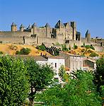 France, Languedoc-Roussillon, Département Aude, Carcassonne: View of City (la Cite) with Château Comtal, since 1997 UNESCO World Cultural Heritage | Frankreich, Languedoc-Roussillon, Département Aude, Carcassonne: Cité de Carcassonne – Château Comtal, seit 1997 Weltkulturerbe der UNESCO