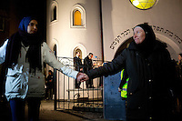 "A group of muslim youth organized a ""peace ring"" by the Jewish synagoge in Oslo in response to recent terror attacks in Pris and Copenhagen. More than 1,000 Muslims and others formed a human shield around Oslo's synagogue on Saturday, offering symbolic protection for the city's Jewish community and condemning an attack on a synagogue in neighboring Denmark last weekend."