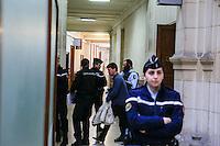 PALAIS DE JUSTICE DE PARIS LE 20 / 02 / 2017<br /> D…LIB…R… AU PROC»S DE TROIS HOMMES JUG…S POUR LE VOL SPECTACULAIRE DE CINQ TOILES DE MAŒTRE AU MUS…E D'ART MODERNE DE PARIS EN 2010<br /> LE VOLEUR, DIT L HOMME ARAIGN…E VJ…RAN TOMIC ET DEUX RECELEURS JEAN-MICHEL CORVEZ ( SUR LA PHOTO ) ET YONATHAN BIRN LE DESTRUCTEUR ONT …T… CONDAMN…S ¿ DES PEINES DE 8, 7 ET 6 ANS DE PRISON FERME , ASSORTIS D'AMENDES.<br /> ILS SONT SORTIS DE LA SALLE D'AUDIENCE MENOTTES AUX POIGNETS.