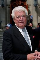Emile Genest<br />  a des Funerailles non-identifié reliée a radio canada, date inconnue (entre 1994 et 2004)