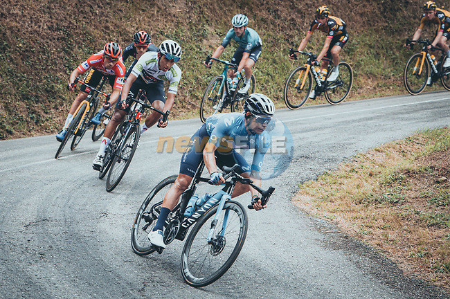 The main bunch with Miguel Angel Lopez Moreno (COL) Movistar Team, Egan Bernal (COL) Ineos Grenadiers, Primoz Roglic (SLO) Jumbo-Visma and Adam Yates (GBR) Ineos Grenadiers descending during Stage 18 of La Vuelta d'Espana 2021, running 162.6km from Salas to Alto del Gamoniteiru, Spain. 2nd September 2021.   <br /> Picture: Cxcling | Cyclefile<br /> <br /> All photos usage must carry mandatory copyright credit (© Cyclefile | Cxcling)