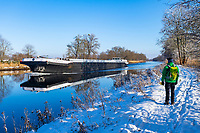 Wanderer am Sacrow-Paretzer Kanal, Insel Töplitz, Werder/Havel, Potsdam-Mittelmark, Havelland, Brandenburg, Deutschland