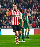 Nederland, Eindhoven, 27 oktober 2015<br /> KNVB Beker<br /> Seizoen 2015-2016<br /> PSV-Genemuiden<br /> Luuk de Jong, aanvoerder van PSV balt zijn vuist nadat hij een doelpunt heeft gemaakt