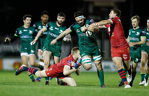 14th November 2020; Galway Sportsgrounds, Galway, Connacht, Ireland; Guinness Pro 14 Rugby, Connacht versus Scarlets; Paul Boyle (Connacht) tries to get away from Johnny McNicholl and Dan Jones (Scarlets)