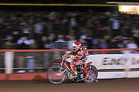 Heat 16: Andreas Jonsson (red) wins the heat - Lee Richardson Memorial Speedway Meeting at Arena Essex Raceway, Purfleet - 28/09/12 - MANDATORY CREDIT: Gavin Ellis/TGSPHOTO - Self billing applies where appropriate - 0845 094 6026 - contact@tgsphoto.co.uk - NO UNPAID USE.