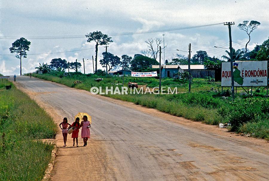 Estrada BR364 em Extrema em Rondônia. 1997. Foto de Cynthia Brito.