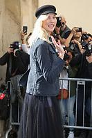 KARLIE KLOSS - ASSISTE AU DEFILE DE LA COLLECTION PRET A PORTER PRINTEMPS/ETE 2018 DE 'CHRISTIAN DIOR' PENDANT LA FASHION WEEK A PARIS, FRANCE, LE 26/09/2017.