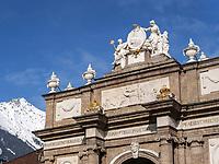 Triumphpforte,  Maria-Theresien-Straße, Innsbruck,. Tirol, Österreich, Europa<br /> Triumphal gate,  Maria-Theresien-St., Innsbruck, Tyrol, Austria, Europe