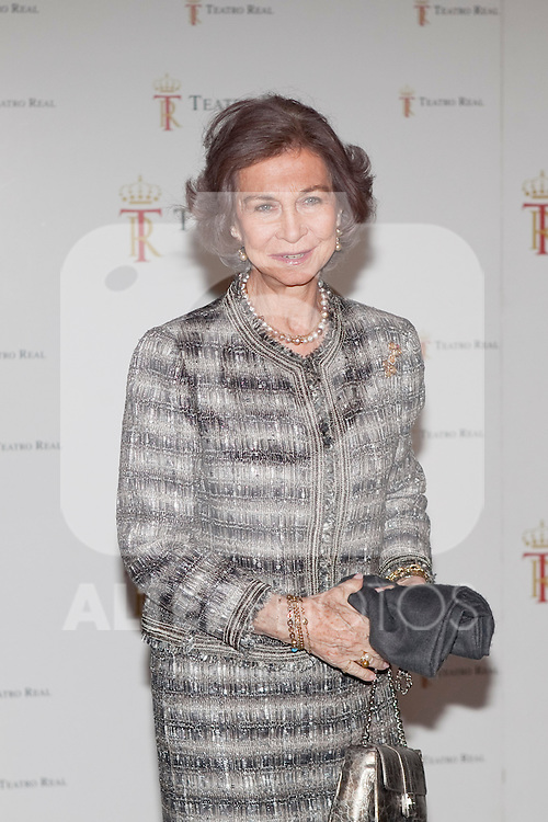 Queen Sofia of Spain attends the `Tristan und Isolda´ theater representation at Royal Theater in Madrid, Spain. January 27, 2014. (ALTERPHOTOS/Victor Blanco)