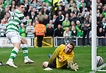 17TH OCT 2010, DUNDEE UNITED V CELTIC, TANNADICE PARK, DUNDEE, GARY HOOPER SCORES LATE WINNER FOR CELTIC 1-2, ROB CASEY PHOTOGRAPHY.