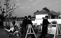 11.2010 Pushkar (Rajasthan)<br /> <br /> Police during the fair.<br /> <br /> Police pendant la foire.