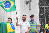20/12/2020 - PROTESTO CONTRA A VACINA EM CURITIBA