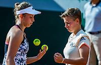 Paris, France, 31 May, 2018, Tennis, French Open, Roland Garros, Womans doubles: Elise Mertens (BEL) / Demi Schuurs (NED) (R)<br /> Photo: Henk Koster/tennisimages.com