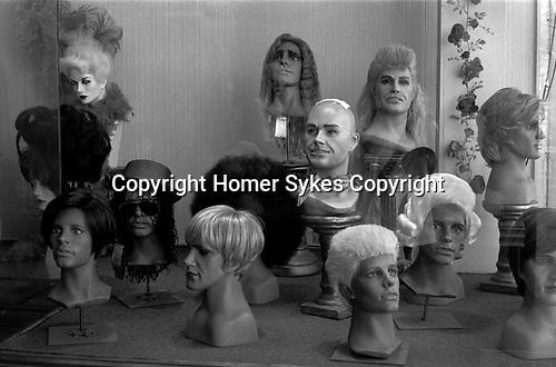 Toupee wig shop for me Miami Florida USA 2000s,