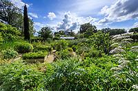 France, Loir-et-Cher (41), Chaumont-sur-Loire, domaine de Chaumont-sur-Loire et festival international des jardins 2019, thème, Jardins de Paradis, le potager, valériane, cardon, carrés d'aromatiques...