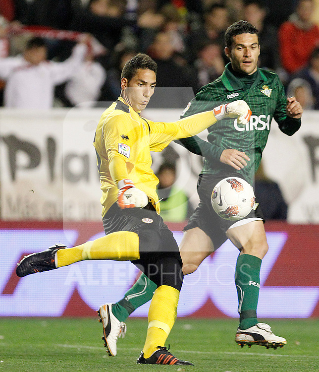 Rayo Vallecano's Joel Robles (l) and Betis' Jorge Molina during La Liga match.March 17,2012. (ALTERPHOTOS/Acero)