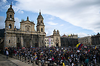 BOGOTA - COLOMBIA, 21-09-2020: Miles de personas salieron a las calles del centro de Bogotá, hoy, 21 de septiembre de 2020, para conmemorar el Día Internacional de La Paz y además protestar por la violencia desmedidad que se viven en Colombia. / Thousands of people took to the streets of the center of Bogotá, today, September 21, 2020, to commemorate the International Day of La Paz and also to protest against the excessive violence that is experienced in Colombia. Photo: VizzorImage / Johan Rugeles / Cont