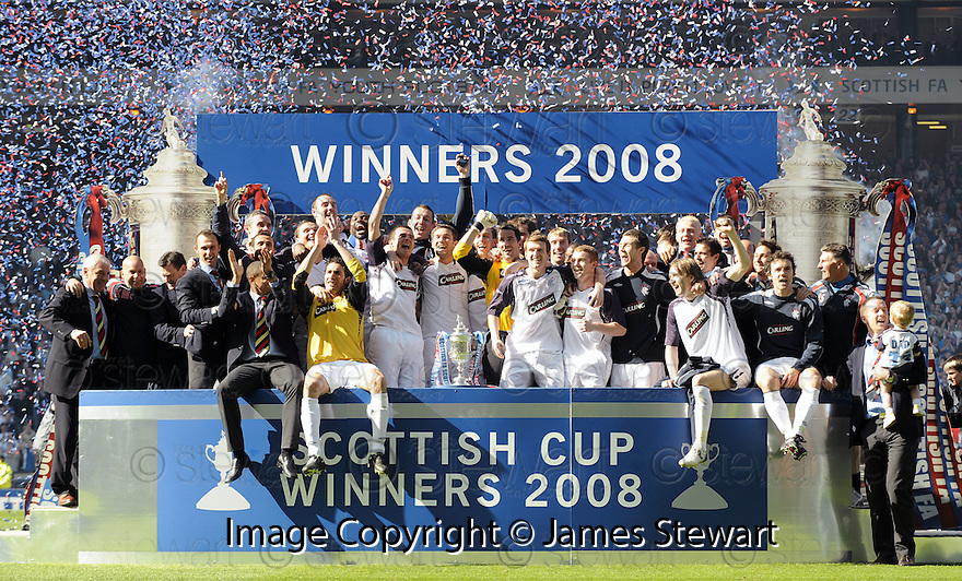 24/05/2008   Copyright Pic: James Stewart.File Name : sct_jspa15_qots_v_rangers.RANGERS PLAYERS CELEBRATE WINNING THE SCOTTISH CUP.....James Stewart Photo Agency 19 Carronlea Drive, Falkirk. FK2 8DN      Vat Reg No. 607 6932 25.Studio      : +44 (0)1324 611191 .Mobile      : +44 (0)7721 416997.E-mail  :  jim@jspa.co.uk.If you require further information then contact Jim Stewart on any of the numbers above........