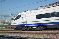 - Trenitalia, Pendolino train leaves  Milan Central Station....- Trenitalia, treno Pendolino ilascia la Stazione Centrale di Milano
