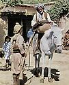 Iraq 1963 .Peshmerga and villager in Hawdian, near Rowanduz.Irak 1963.Peshmerga et habitant de Hawdin, pres de Rowanduz