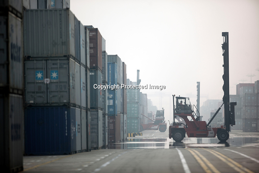 A view of the Yangshan Deepwater Container Port in Shanghai, China..25 Jan 2010