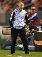 Houston head coach Dominic Kinnear. The Houston Dynamo and Chivas USA played to a 1-1 tie at Home Depot Center stadium in Carson, California on Saturday October 25, 2008. Photo by Michael Janosz/isiphotos.com