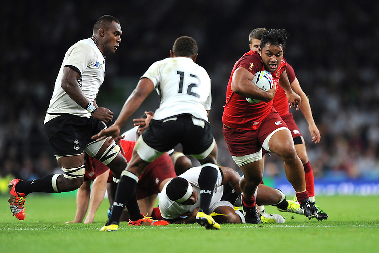 Billy Vunipola of England in action during Match 1 of the Rugby World Cup 2015 between England and Fiji - 18/09/2015 - Twickenham Stadium, London <br /> Mandatory Credit: Rob Munro/Stewart Communications