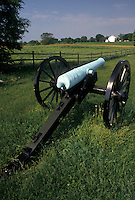 AJ4251, Antietam, cannon, Antietam National Battlefield, civil war, Maryland, Cannon on the civil war battlefield at Antietam Nat'l Battlefield in the state of Maryland.