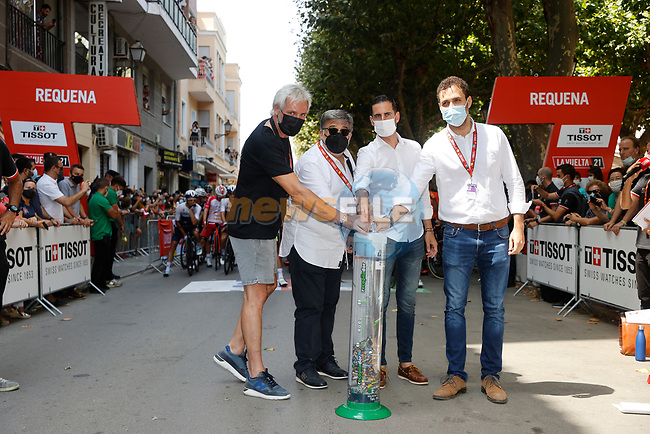 Getting ready for the start of Stage 6 of La Vuelta d'Espana 2021, running 158.3km from Requena to Alto de la Montaña Cullera, Spain. 19th August 2021.    <br /> Picture: Luis Angel Gomez/Photogomezsport | Cyclefile<br /> <br /> All photos usage must carry mandatory copyright credit (© Cyclefile | Luis Angel Gomez/Photogomezsport)