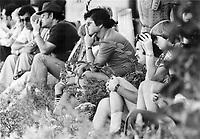 Recherche des noyés dans le Lac d'Argent, Eastman, Aout 1878<br /> <br /> <br /> Friends and relatives of crash victims watch the search<br /> <br /> 1978<br /> <br /> PHOTO :  Dick Loeb - Toronto Star Archives - AQP