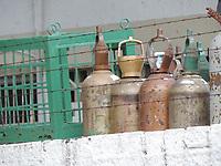Recife (PE), 23/04/2021 - Oxigenio-Recife - Caminhão de oxigênio no setor de distribuição de da secretaria de saúde de Pernambuco na Av. Norte área norte do Recife, nesta sexta-feira (23)