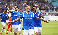 celebrate the goal, Torjubel zum 3:0 von Felix Platte (SV Darmstadt 98) mit Romain Bregerie (SV Darmstadt 98), Aytac Sulu (SV Darmstadt 98) - 28.04.2018: SV Darmstadt 98 vs. 1. FC Union Berlin, Stadion am Boellenfalltor, 32. Spieltag 2. Bundesliga