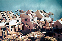 Moshe Safdie: Coldspring (MD) New Town. Hillside cluster housing.