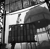 Place des Carmes. Le 22 janvier 1964. Vue de la destruction du marché des Carmes.