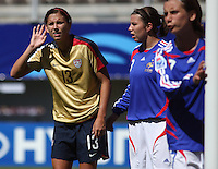 Chile, Chillan: Usa Fordward Alex Morgan wait for tue corner during the firth football match of the Fifa U-20 Women¥s World Cup the at Nelson Oyarz˙n stadium in Chill·n , on November the ninth 2008 2008.GROSNIA / sergio Araneda