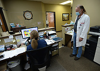 Dr. Steve Hennigan Wednesday, Sept. 29, 2021, Visit nwaonline.com/211010Daily/ for today's photo gallery.<br /> (NWA Democrat-Gazette/Andy Shupe)
