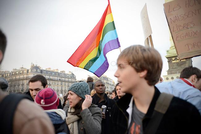FRANCE, Paris, 27/01/2013, Manifestation pour le mariage homosexuel..Entre 135000 et 400000 personnes ont défilé à Paris entre la place Denfert-Rochereau et la place dela Bastille pour réclamer le mariage pour tous et la procréation médicalement assistée  (PMA) pour les couples homosexuels. Ils entendaient faire pression sur le gouvernement de François Hollande à deux jours de l'étude de la loi par le parlement..Il y a deux semaines, les opposants au mariage et à la PMA pour les homosexuels avaient réuni entre 400000 et 800000 personnes dans les rues de Paris..© Bruno Cogez..FRANCE, Paris, 27/01/2013, Demontration for gay marriage..Between 135,000 and 400,000 people marched in Paris from the square Denfert-Rochereau to the square  Bastille  for marriage and for  medically assisted procreation (MAP) for homosexual couples. They wanted to put pressure on the government of François Hollande two days before the study of law by parliament..Two weeks ago, opponents of marriage and MAP homosexuals had met between 400,000 and 800,000 people in the streets of Paris..© Bruno Cogez