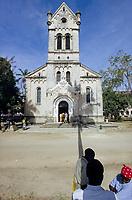 TANZANIA, Bagamoyo, old catholic church from german colonial time, built 1914 / TANSANIA, Bagamoyo, war von 1888 bis 1891 Hauptstadt der deutschen Kolonie Deutsch Ostafrika, 1868 wurde hier die erste katholische Mission in Ostafrika von den Heilig Geist Vätern errichtet, katholische Kirche gebaut 1914