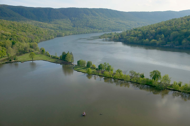 Tennessee River Gorge during early spring