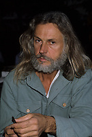 Photo exclusive de l'artiste Armand Vaillancourt chez lui vers 1985<br /> <br /> Agence Quebec Presse - Pierre Roussel