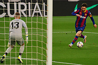 29th April 2021; Camp Nou, Barcelona, Catalonia, Spain; La Liga Football, Barcelona versus Granada; Leo Messi FC Barcelona looks up before shooting towards goalkeeper Aaron of Granada CF